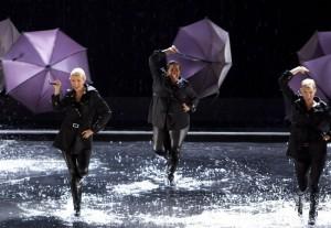 Singing In the RainUmbrella The Substitute Glee